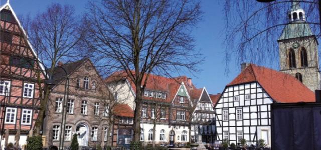 . . . durch die Wiedenbrücker Altstadt . . . für Teams aus Unternehmen, Schulen und Behörden Mittwoch, 19. Juni 2013 – ab 19.00 Uhr – 6 Kilometer  1. […]