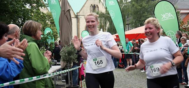 Der AOK-Firmenlauf in Wiedenbrück startete am Mittwoch mit einer schwungvollen Premiere. Knapp 400 Aktive beteiligten sich an dem 6,4-km-Lauf durch die Wiedenbrücker Altstadt. Diesmal ging es nicht darum, wer schnellster […]
