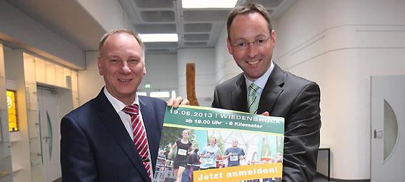 28.05.2013 – Der AOK-Firmenlauf Wiedenbrück, der am 19. Juni in die zweite Auflage geht, bekommt Unterstützung durch den Bürgermeister. Theo Mettenborg übernimmt die Schirmherrschaft für den Lauf. Ganz offiziell hat […]