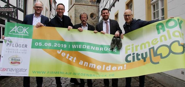 """14.03.2019 – Rheda-Wiedenbrück (rob). Am ersten Mittwoch im Juni geht es wieder rund in der Wiedenbrücker Altstadt: Beim AOK-Firmenlauf """"City-Loop"""", der am 5. Juni zum achten Mal gestartet wird, werden […]"""
